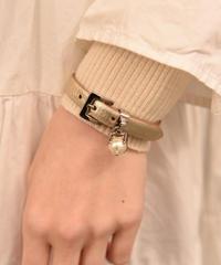 miu miu/vintage leather belt bangle.(M)