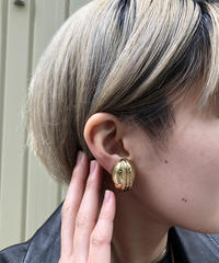 Burberry's/vintage oval earring. 501001T(S)