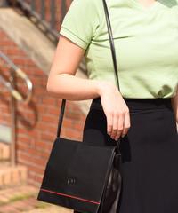 VALANTINO/vintage  logo  leather shoulder bag.
