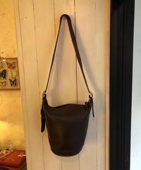 COACH/ old coach shoulder bag.
