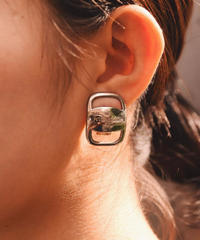 SalvatoreFerragamo/vara plate earring.(U)