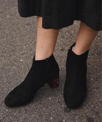 See by Chloe / suede short boots.