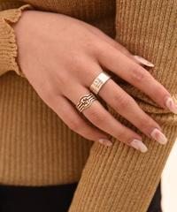GUCCI/ vintage inter locking design silver  ring.
