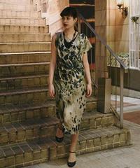 MAX&CO/ V neck sleeveless dress.