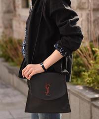 YvesSaintLaurent / vintage logo design shoulder bag.