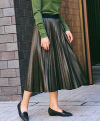 Max&Co./ pleats leather skirt.