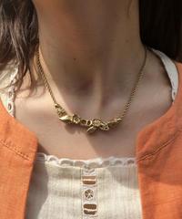 Christian Dior/leaf motif CD logo necklace.  422005 C (S)