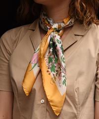 GUCCI / vintage  flower design scarf.