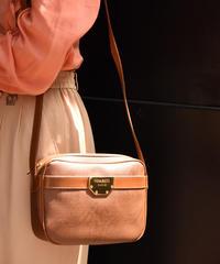 NINA RICCI / vintage design logo pate shoulder bag.