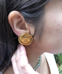 CHANEL/vintage round earring.  430004T