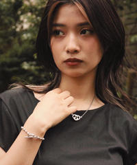 GUCCI / GG logo heart cut necklace. (U)