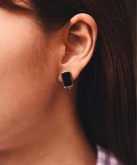 Christian Dior/vintage square design earring.