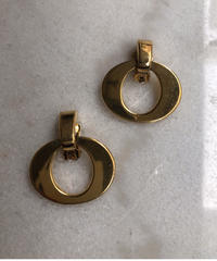 Christian Dior/vintage O motif earring.423013C(S)