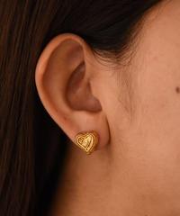 Vivienne Westwood / gold heart orb pierce.