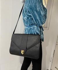 YvesSaintLaurent / vintage design shoulder bag.