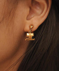 courreges/vintage logo motif gold earring.