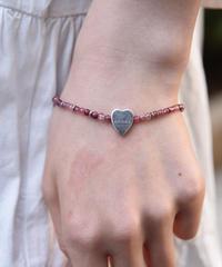 GUCCI/vintage  heart  motif beads  bracelet.
