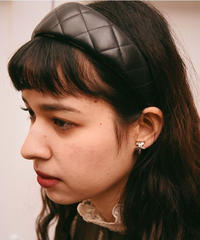 Burberry's/ quilting leather headband.