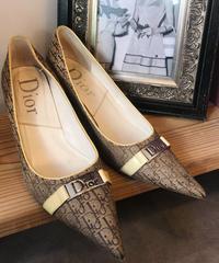 Christian Dior/ vintage trotter pattern pumps.