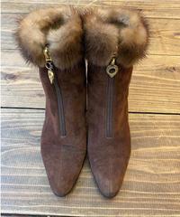 Yves Saint Laurent/ vintage fur design logo charm boots,