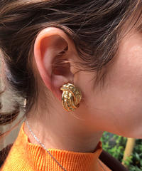 Burberry/ vintage  gold earring.