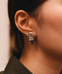 Salvatore Ferragamo/belt motif earring.