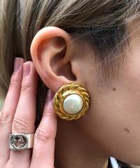 CHANEL/ vintage design earring. 501011 A