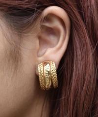 Burberry's/Gold earrings