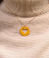 FENDI/ vintage heart motif round necklace. (yellow) (M)