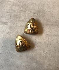 CHANEL/vintage  logo motif triangle  earring .(S)