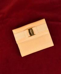 Salvatore Ferragamo /vintage vara design wallet.(yellow)
