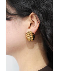 oval gold pierce