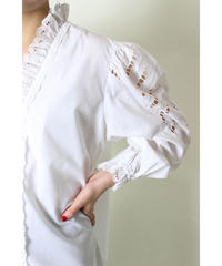 EUR vintage embroidery sleeve blouse