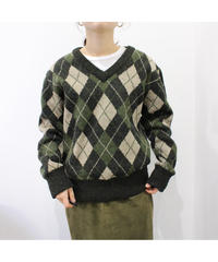 V neck argyle sweater