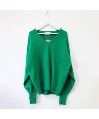Vneck 100% LANMBS WOOL sweater