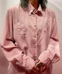 pink 刺繍shirt