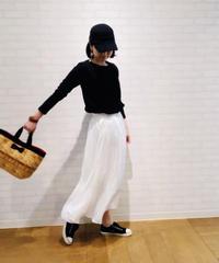 エアリー柔らかサテンAラインスカート
