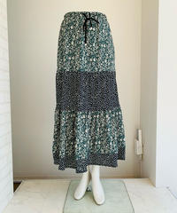 バイカラー小花ティアードスカート