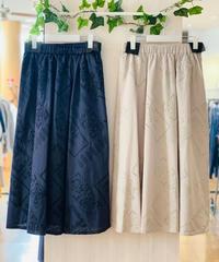 パネル刺繍ロングスカート