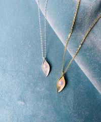 calla pearl necklace