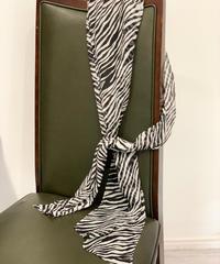 <L'UNE> リュンヌ タイガープリントスカーフ