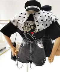 bigドットチュール襟フェイス刺繍tシャツ