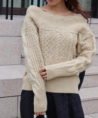 offshoul cable knit