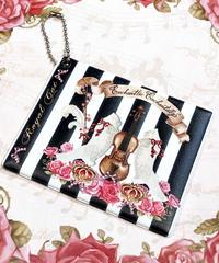 Enchantlic Enchantilly/アンシャンテリックアンシャンテリー 猫の王女さまの音楽会のパスケース~ヴァイオリン~(黒×白ストライプ)