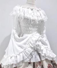 ATELIER-PIERROT/アトリエピエロ レースシャーリング姫袖ブラウス(ホワイト)