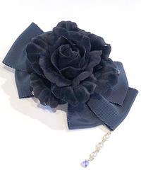 Enchantlic EnchantilIy/アンシャンテリックアンシャンテリー ローズリボンブローチ(深緑×黒薔薇)