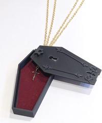 GOTHIC HOLIC/ゴシックホリック 棺ペンダント(ゴールドクロス)