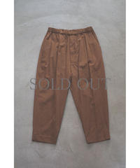 YOKO SAKAMOTO / 1 TUCK TAPERED TROUSERS / col.BROWN