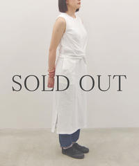 THE HINOKI / オーガニックコットン スリーブレスラップドレス / col.ホワイト