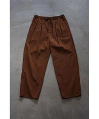 YOKO SAKAMOTO / 2 TUCK EASY PANTS / col.BROWN